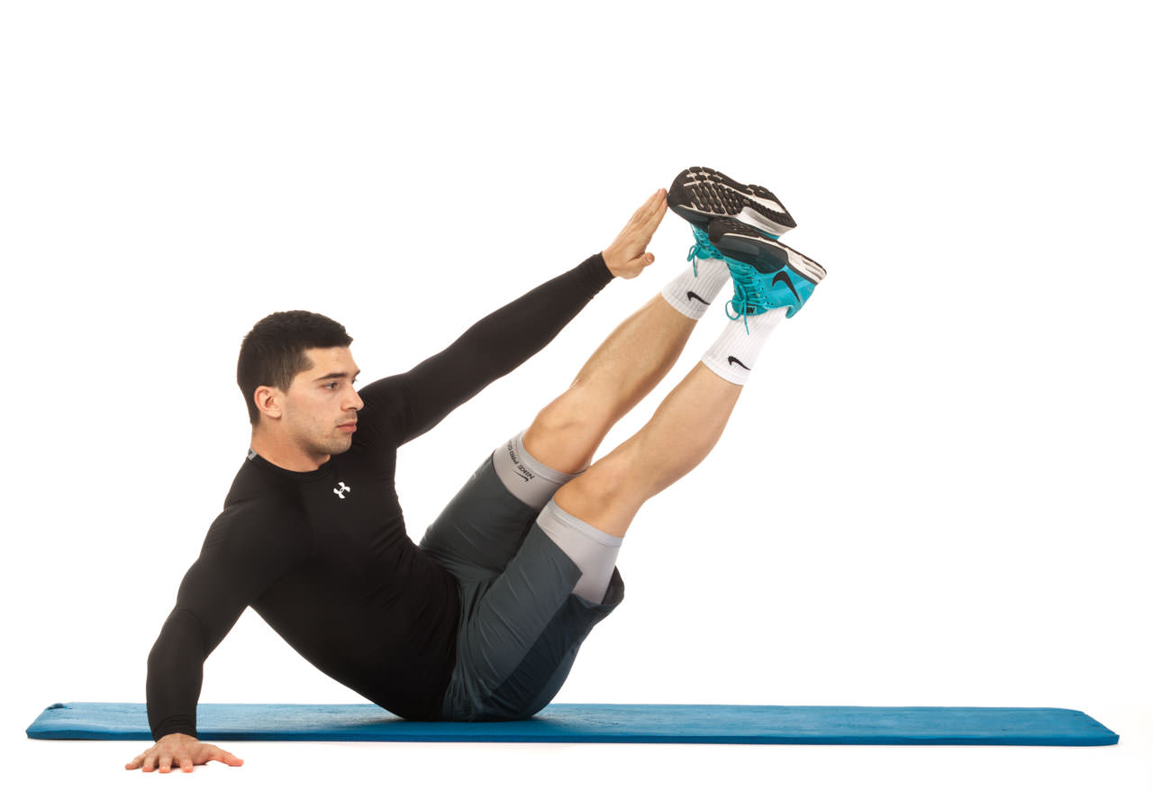 Oblique Crunches with Extended Legs frame #2