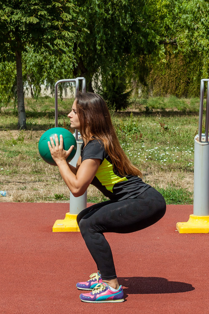 Medicine Ball Squat frame #5