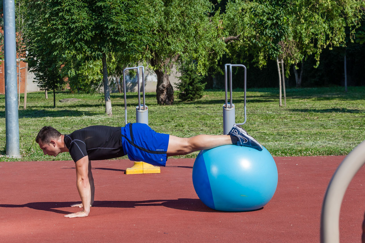 Decline Push-Up with Crunch frame #1
