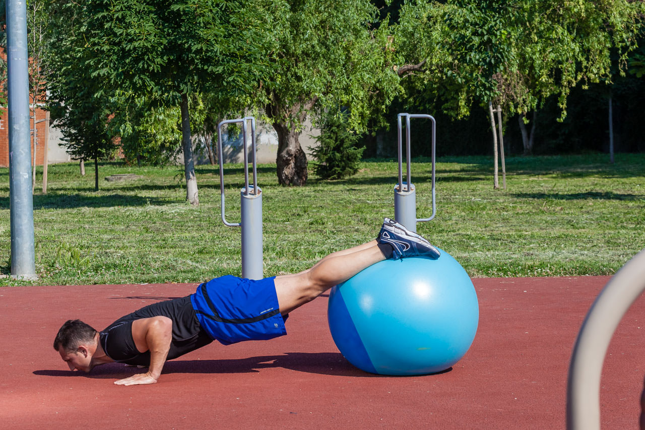 Decline Push-Up with Crunch frame #2