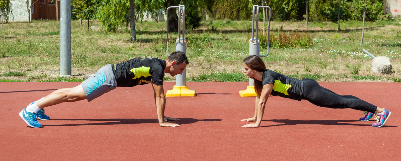 Partners Plank Claps frame #3