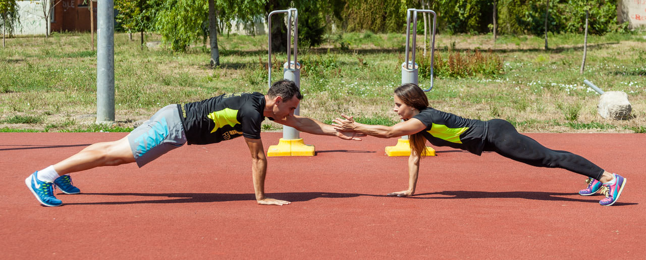 Partners Plank Claps frame #4