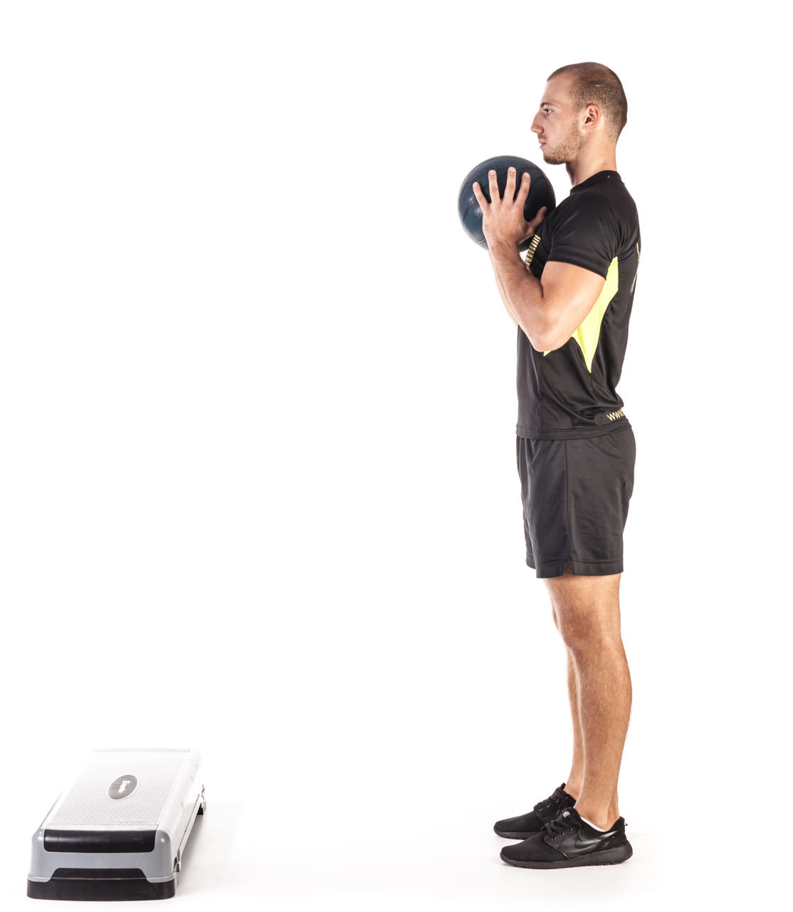 Medicine Ball Step Forward Lunge frame #1